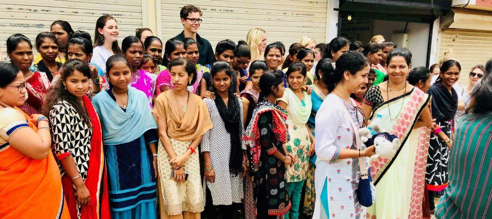 Students explore India's cotton industry